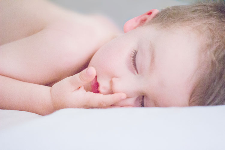 kindermassage-kindje-slaap